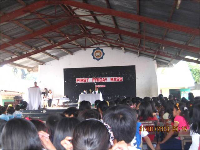 1st Friday Mass at the Oas East Central School with Rev. Fr. Gil Apuli, Rizal, Oas.  1 Feb 2012